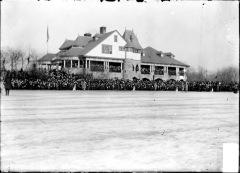 1902-SpeedSkateRace-frozenHumboldtLagoon